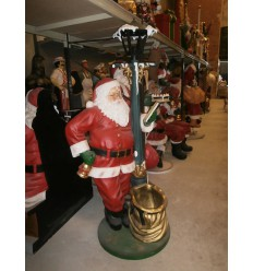 SANTA CLAUS W/ LAMP POST