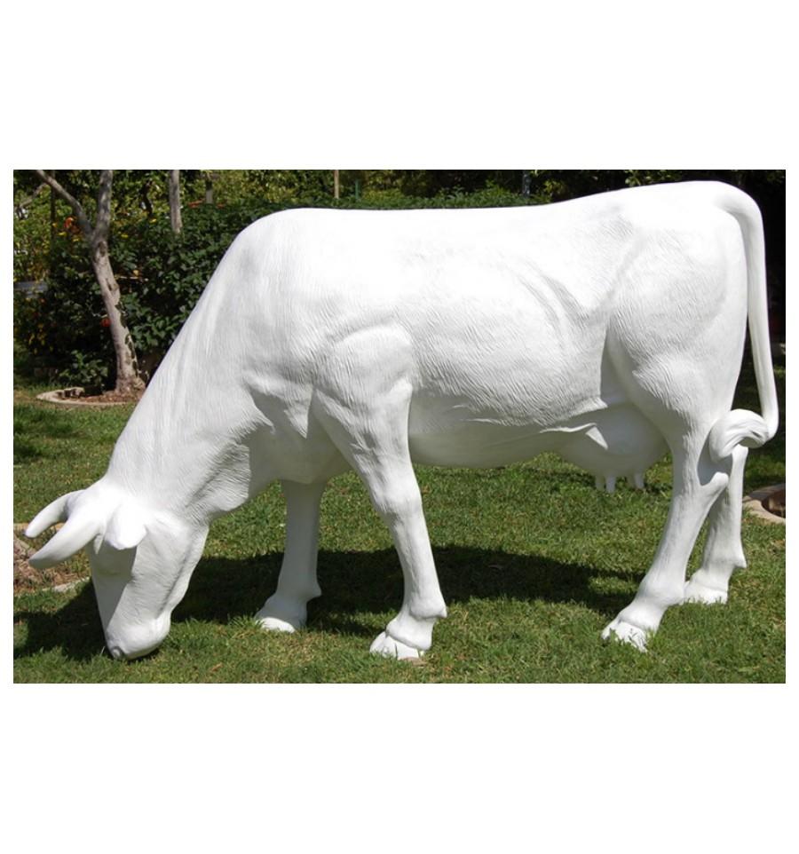 Vaca para decorar tu jardin estatua de una vaca para tu for Vacas decorativas para jardin