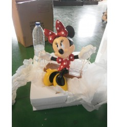 MINNIE EN COLUMPIO