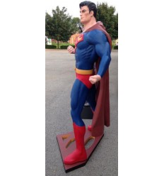 ESTATUA SUPERMAN CLASSIC